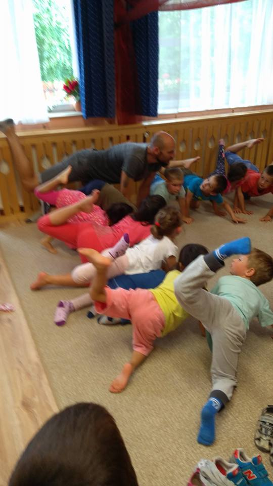 Kids Animalia Asana The Animal Element In Yoga